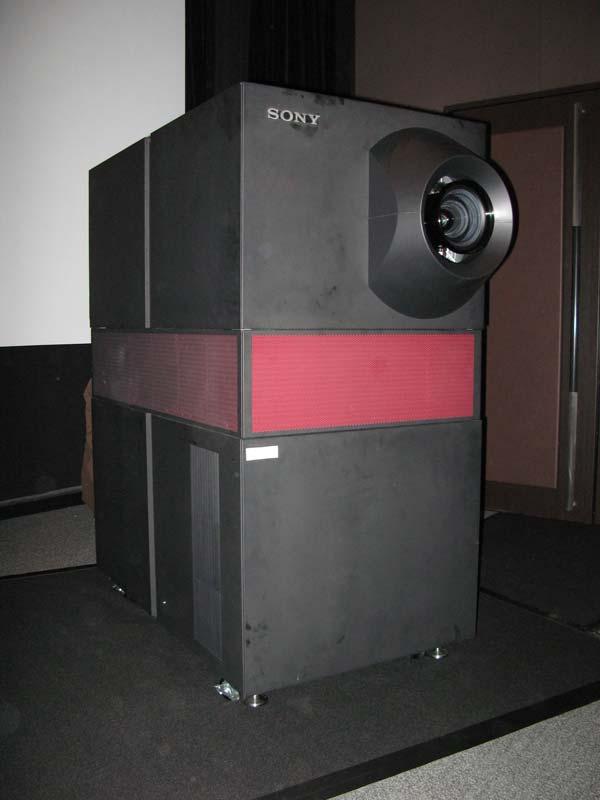 ソニーの4K2Kプロジェクター